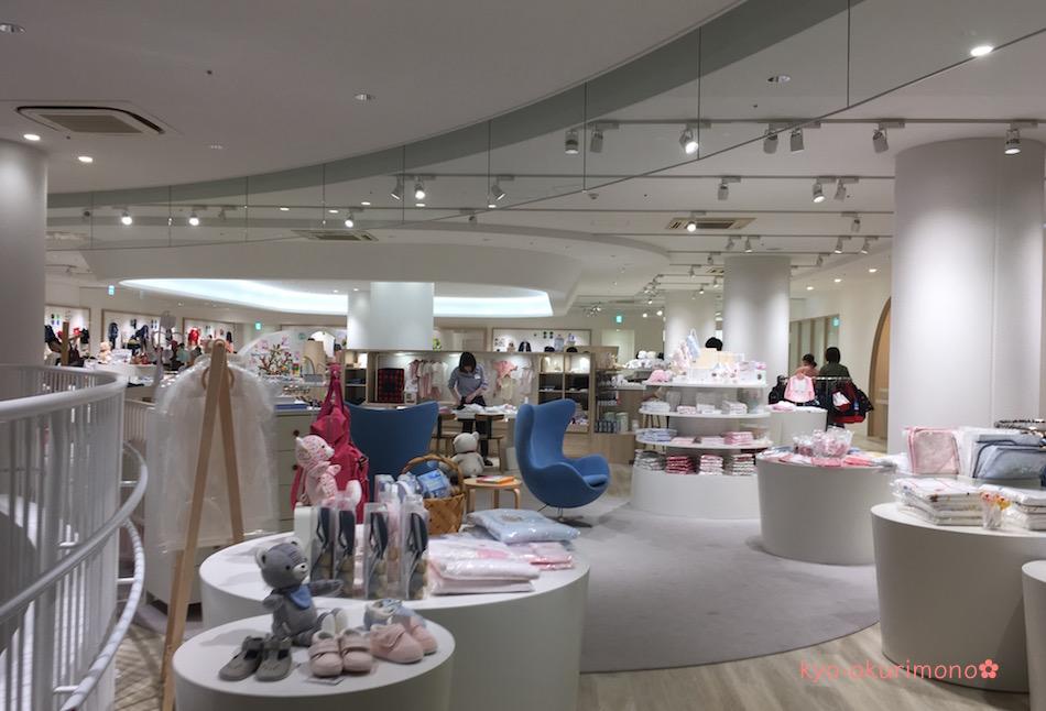 ファミリア神戸本店は最大級の店舗面積