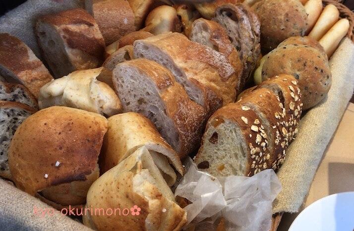 ブリアン北山店のモーニングでパン食べ放題