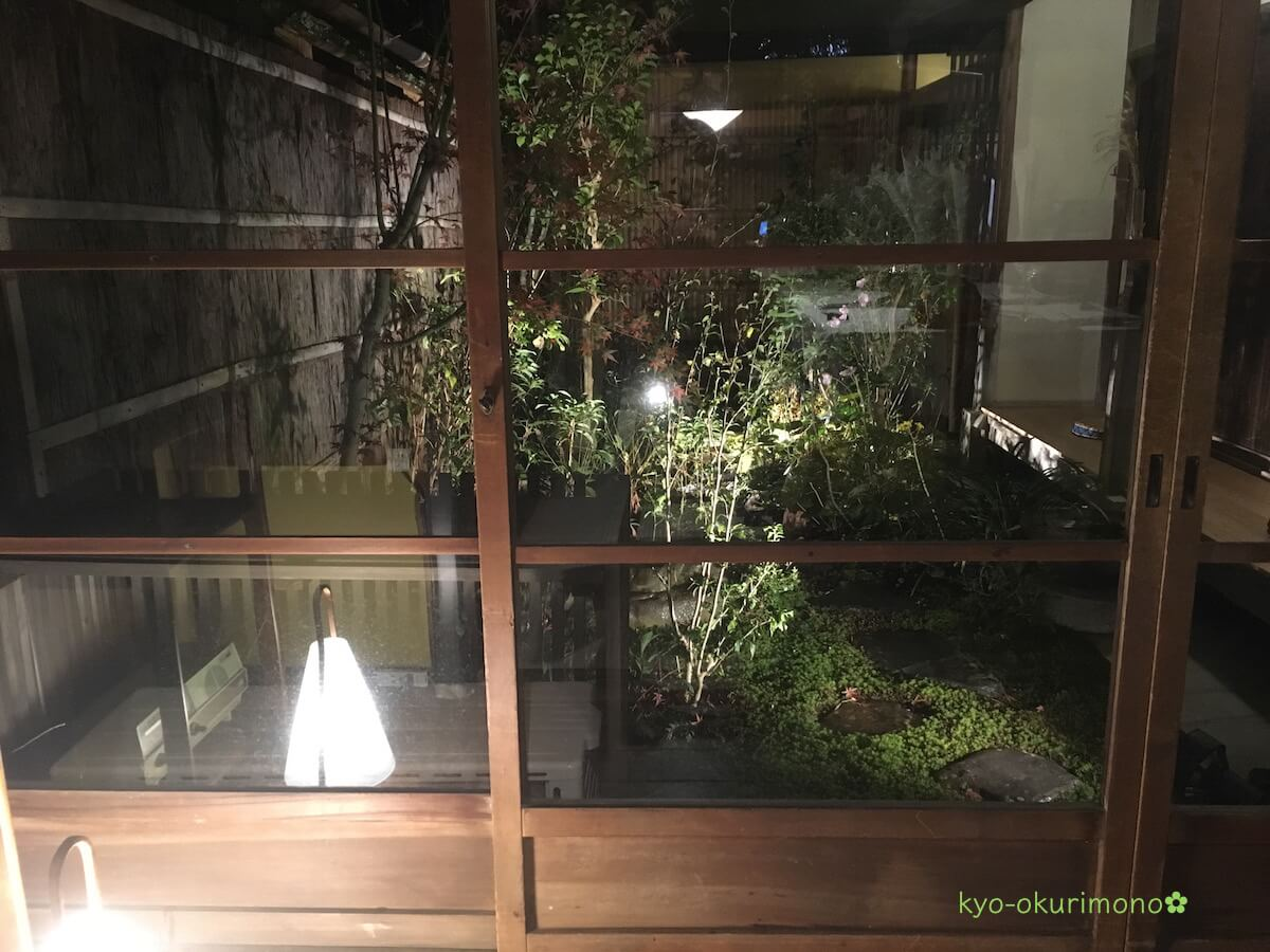 金閣寺の町家フレンチ、京都喜Shinのディナー・内観2中庭