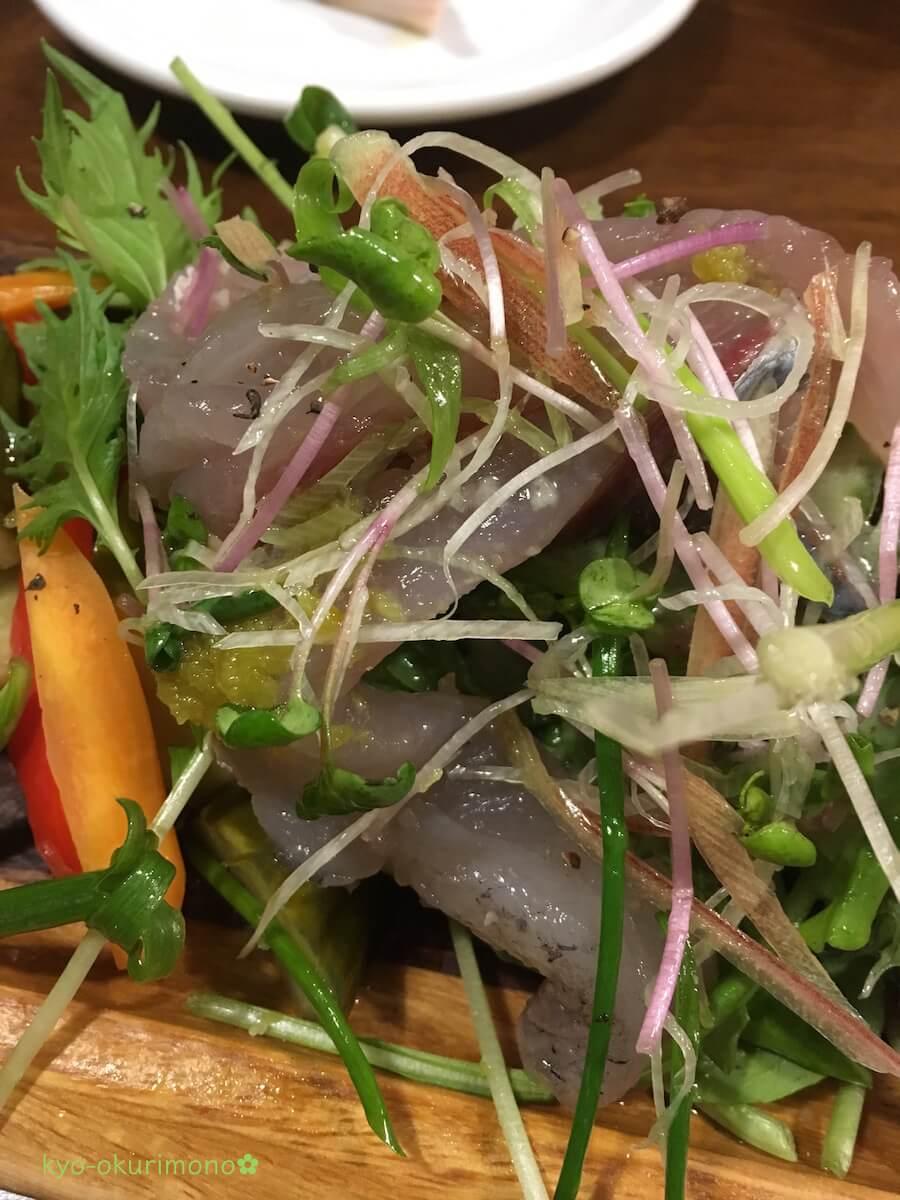 高槻のビストロモナミ前菜は鮮魚もたっぷり