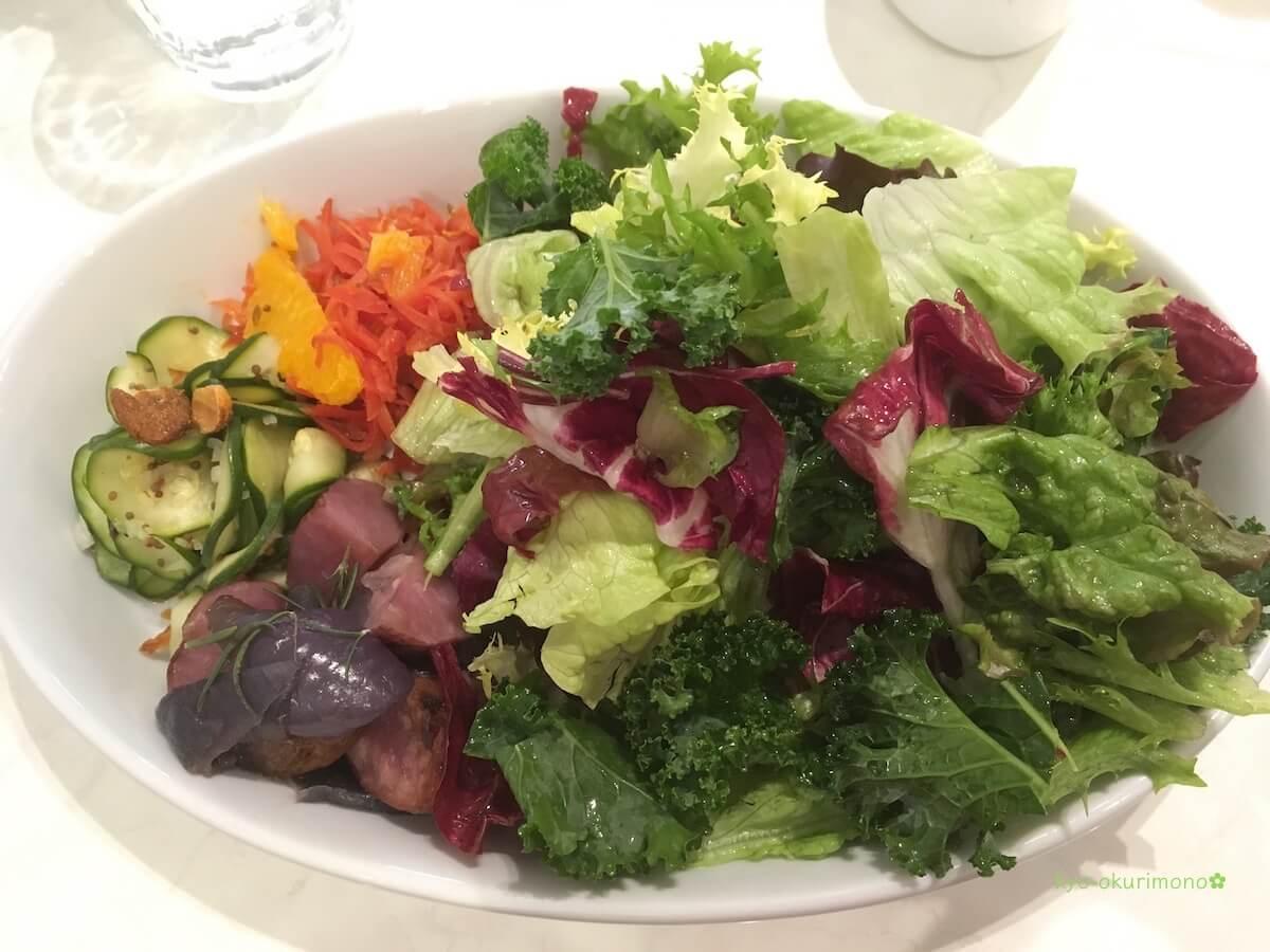 リベルテ・パティスリー・ブーランジェリー京都店の野菜プレートランチ