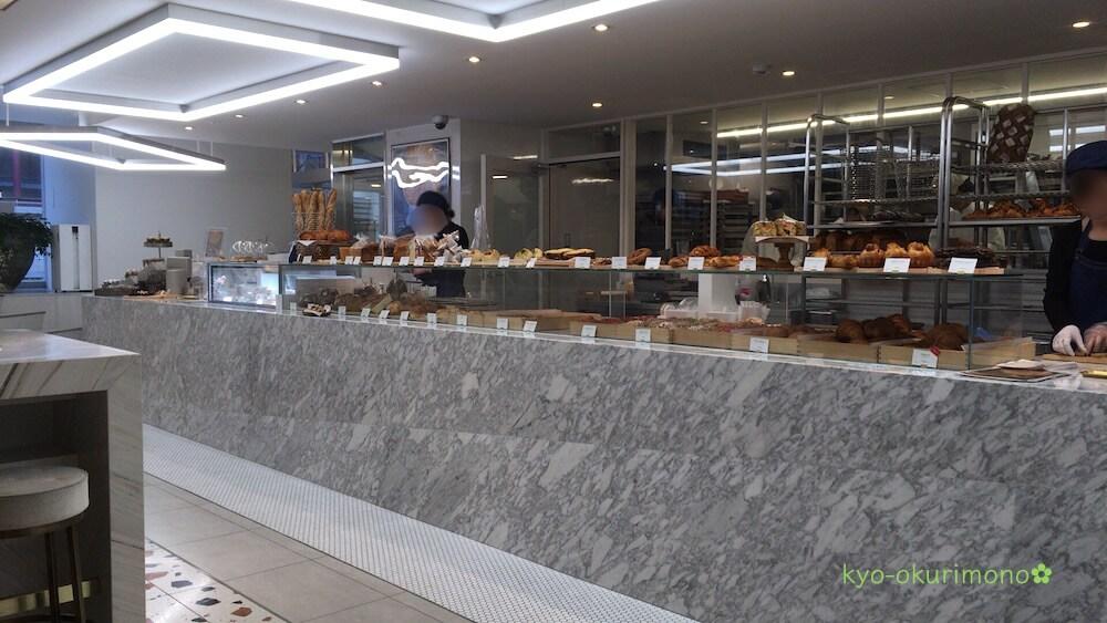 リベルテ・パティスリー・ブーランジェリー京都店のパン売り場