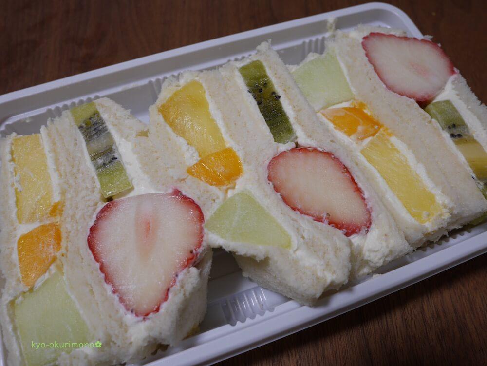 京都ヤオイソのスペシャルフルーツサンド