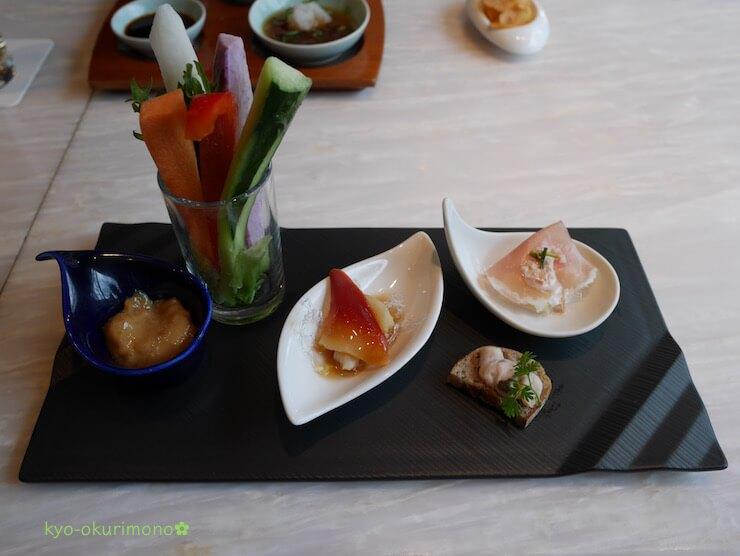京都ブライトンホテルの鉄板焼き膰(ひもろぎ)のランチ前菜