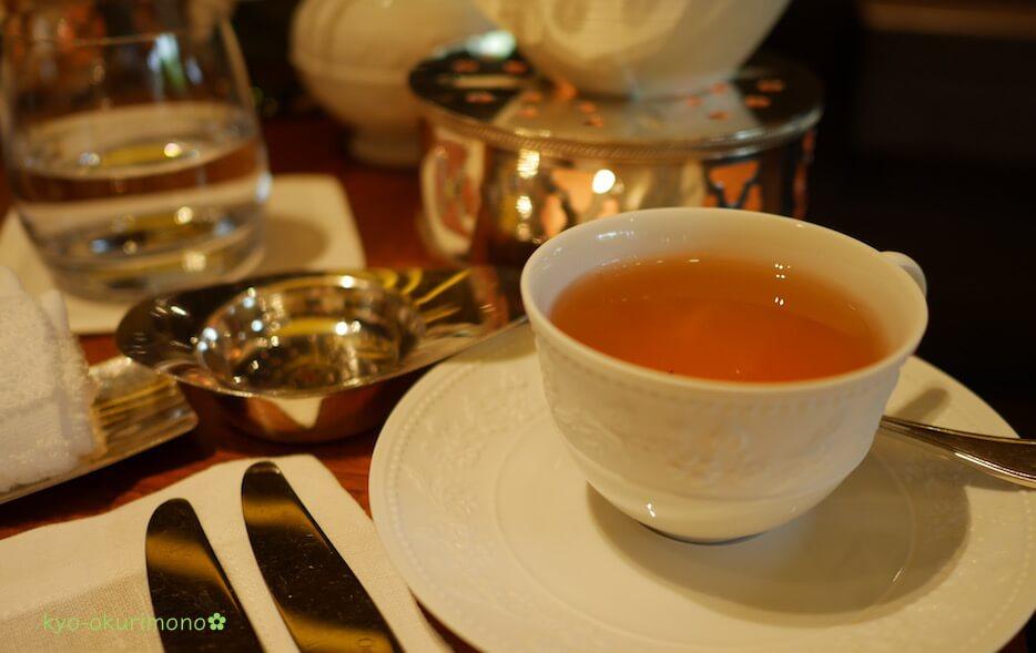 ザ・リッツ・カールトン京都ピエール・エルメ・パリのアフタヌーンティー紅茶