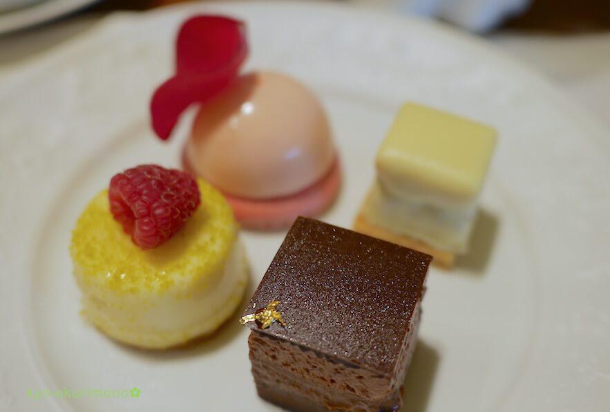 ザ・リッツ・カールトン京都ピエール・エルメ・パリのアフタヌーンティーのケーキ1