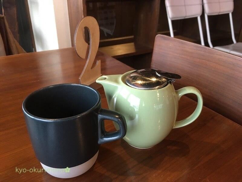 京都雪ノ下本店の紅茶。ポットでたっぷり
